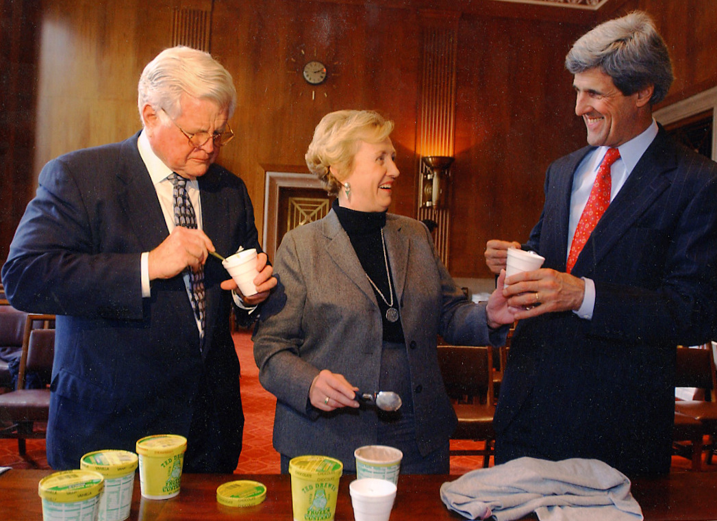 Sens. Kennedy, Carnahan and Kerry eating frozen custard, 2001