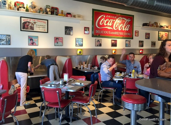 cafe manhattan, a culinary tribute to the 50s