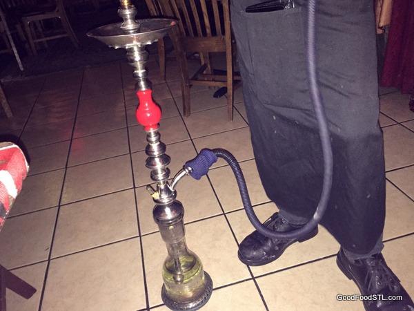 hookah pipe demonstration