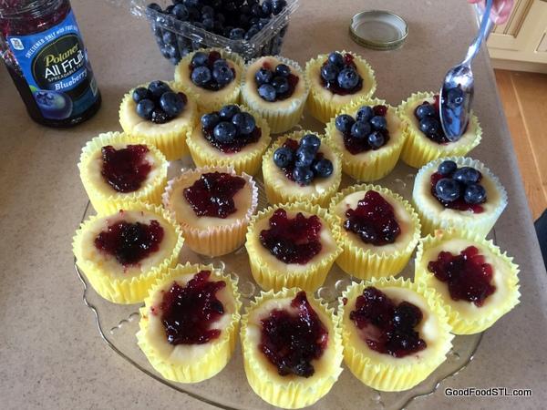 blueberry mini cheesecakes