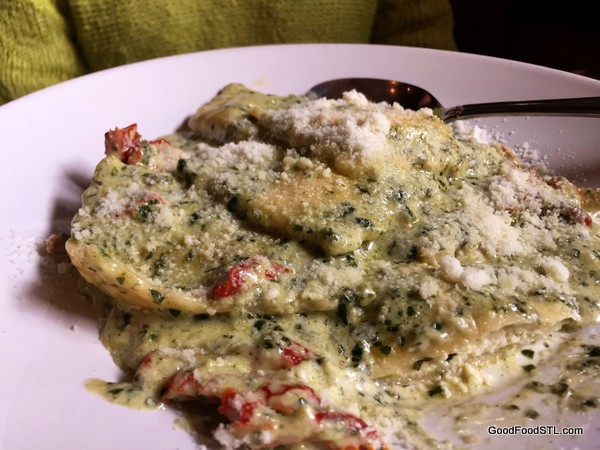 Toasted ravoli with cheese sauce Anthonino *