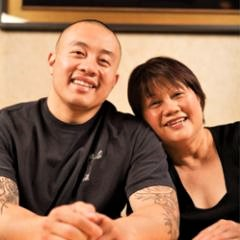 Qui Tran with his mother, Lee.