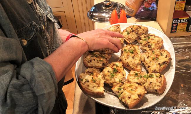 Cheesy Cauliflower Toasts
